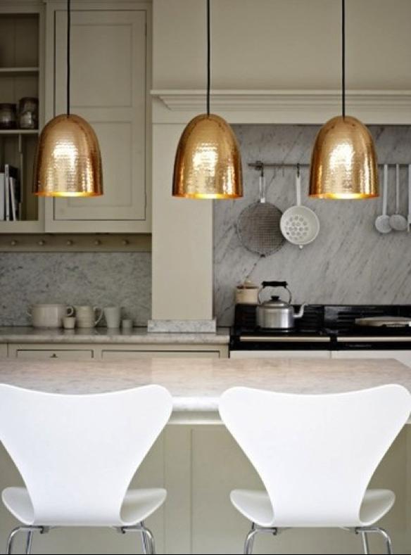 Luminárias com acabamento em ouro